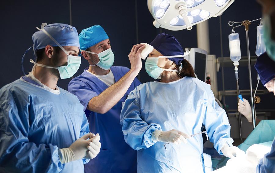 Забудьте о Кремниевой долине: Bloomberg советует учиться на докторов ради хорошей зарплаты [1]