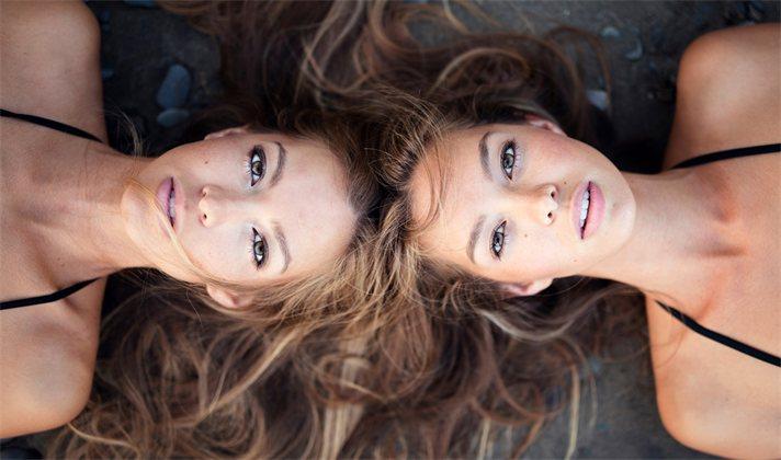 Однояйцевые близнецы не такие одинаковые, как казалось. Надёжны ли близнецовые исследования?