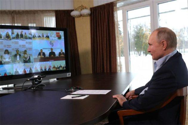 Владимир Путин выступил за широкое и оплачиваемое наставничество в здравоохранении