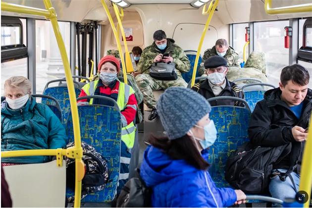 В России очень много людей переболело ковидом. Значит, страна близка к коллективному иммунитету и все скоро кончится?