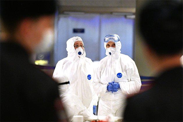 Антирекорды, протесты, локдауны: коронавирус еще не побежден