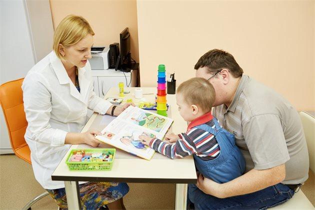 Вакцинировать детей против COVID-19 готовы 12% отцов и только 3% матерей