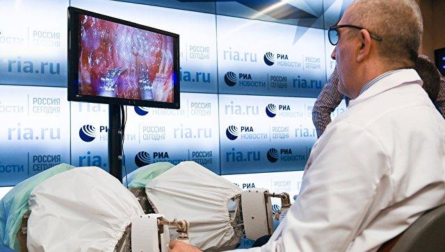 На игле у США: российский робот-хирург остался без поддержки [1]