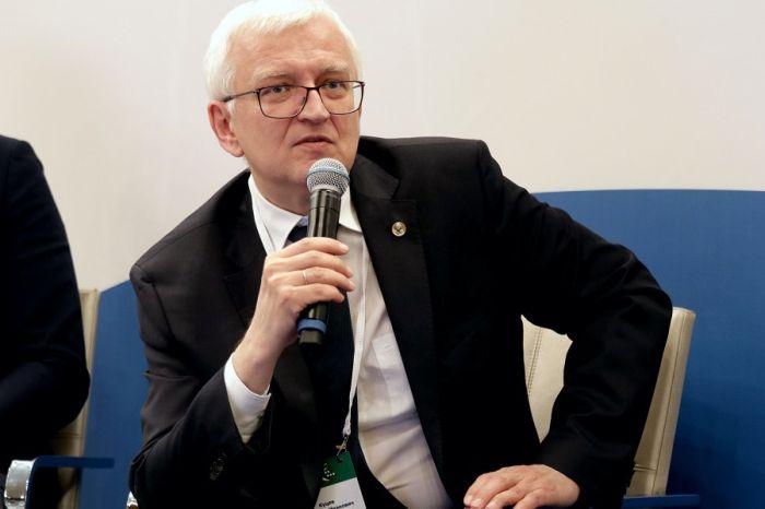 Главный генетик Минздрава выступил против экспериментов с геномным редактированием эмбрионов в РФ [1]