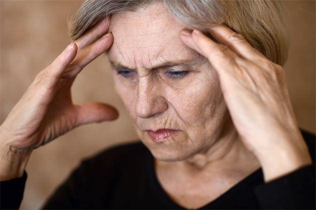 Сильное головокружение и слабость у пожилого человека